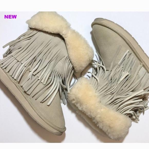 RJ's Fuzzies Genuine Sheepskin Boots